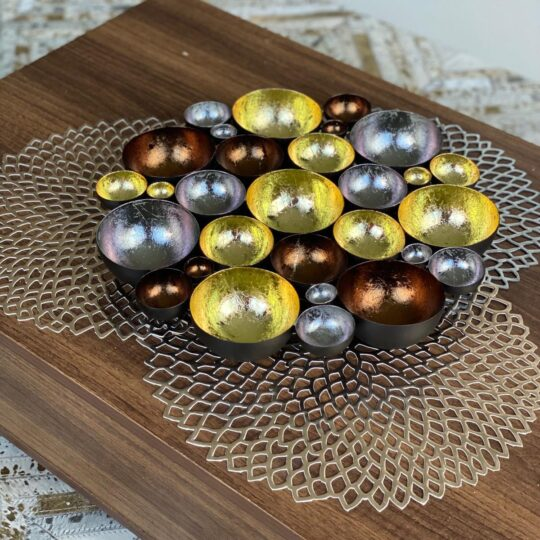 PEWTER CHAMPAGNE CHOCOLATE TEALIGHT CENTERPIECE
