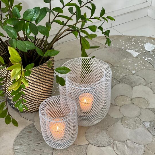 WHITE NETTED PILLAR LANTERN SET