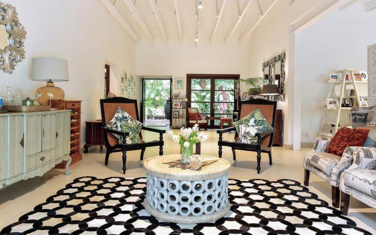 MONOCHROME BLACK & WHITE CIRCLE HIDE RUG by The Cinnamon Room