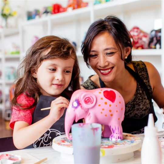 Fun projects with the kids: Make your own Elephant Parade Elephant with the Elephant Parade Artbox.